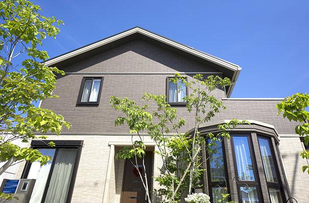 屋根塗装・屋根のリフォーム ポイントと価格・費用相場